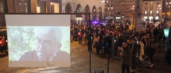 Legge Merlin: manifestazione in piazza aPiacenza contro la prostituzione e la tratta delle donne. Video con Don Oreste Benzi