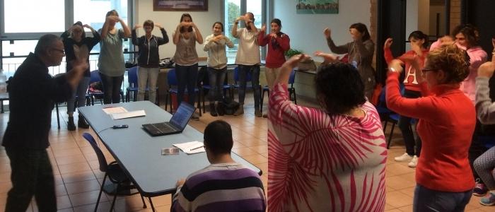 Per impararare il Linguaggio dei Segni: la Lingua Italiana dei Segni LIS per comunicare con le persone sorde. Il corso a San Marino.