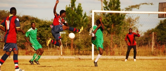 Nel progetto Cicetekelo, portato avanti in Zambia dalla Comunità Papa Giovanni XXIII, lo sport è uno strumento di integrazione per i ragazzi di strada. Foto di Gianluca Colagrossi