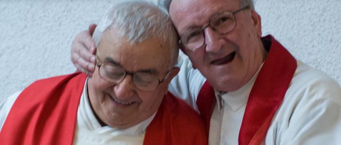 Don Elio Piccari con Don Oreste Benzi, foto di Riccardo Ghinelli