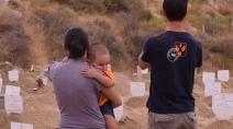 Sbarchi: Volontari nel cimitero dei bambini migranti e delle loro madri a Reggio Calabria