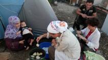 Dialogo interreligioso, volontari italiani nel campo profughi con musulmani