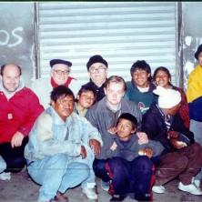 <p>Don Benzi e Vittorio Tadei durante una visita alla missione in Bolivia, insieme a Moris Bertozzi e Giovanni Salina</p>