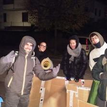 <p>Alcuni volontari hanno dormito in strada a Faenza per la giornata mondiale della povertà</p>