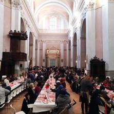 <p>Cena insieme per la giornata mondiale per i poveri</p>