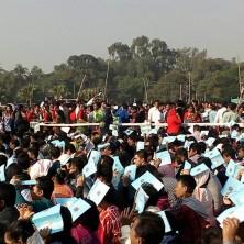 <p>La folla che ha partecipato alla Messa celebrata da Papa Francesco in Bangladesh</p>