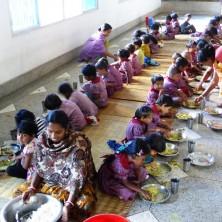 <p>Mensa nella missione della Comunità Papa Giovanni XXIII a Chalna, in Bangladesh</p>