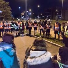 <p>Catena umana contro la prostituzione: giovani del servizio d&#39;ordine</p>