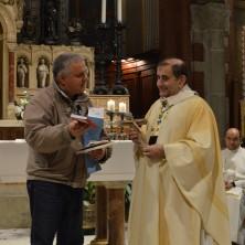 <p>Giovanni Paolo Ramonda, presidente della Comunità Papa Giovanni XXIII, insieme a mons. Delpini, arcivescovo di Milano</p>