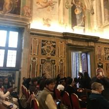 <p>I rappresentanti delle organizzazioni del Comitato contro la tratta e alcune giovani vittime della tratta incontrano Papa Francesco in udienza privata.</p>