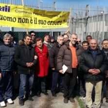 <p>Pena alternativa: manifestazione di fronte al carcere di Rimini</p>