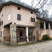 <p>La Casa di accoglienza &quot;Piccoli passi&quot; di Valdagno, localit&agrave; &quot;Muci&ograve;n&quot;</p>