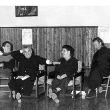 <p>Don Oreste Benzi durante un campo di condivisione a Canazei nel 1989. Foto di Riccardo Ghinelli</p>