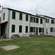 <p>Casa Betania a Coriano (RN) fu la prima casa famiglia della Comunit&agrave; Papa Giovanni XXIII, aperta il 3 luglio 1973</p>
