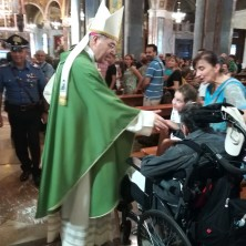 <p>Il vescovo di Pompei&nbsp;durante il pellegrinaggio della Comunit&agrave; Papa Giovanni XXIII</p>