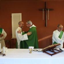 <p>Un momento della Messa per il decennale dellaLa Casa Madre del Perdono, parte del progetto CEC</p>