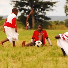 <p>Nel progetto Cicetelelo, per i ragazzi di strada in Zambia, lo sport è uno strumento efficace di inclusione e integrazione</p>