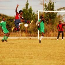 <p>Nel progetto Cicetekelo, portato avanti in Zambia dalla Comunità Papa Giovanni XXIII, lo sport è uno strumento di integrazione per i ragazzi di strada. Foto di Gianluca Colagrossi</p>