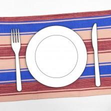<p>Set di quattro tovagliette per la colazione, realizzate con stoffe fatte al telaio e confezionate con metodi tradizionali da donne appartenenti alle famiglie povere di Scutari, Albania.</p>