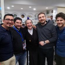 <p>La delegazione Apg23al convegno sulla catechesi ai disabili organizzata dalla CEI, insieme a suor Veronica Donatello</p>
