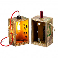 <p>Portabottiglie/Lampada ecologica Rippotai</p>